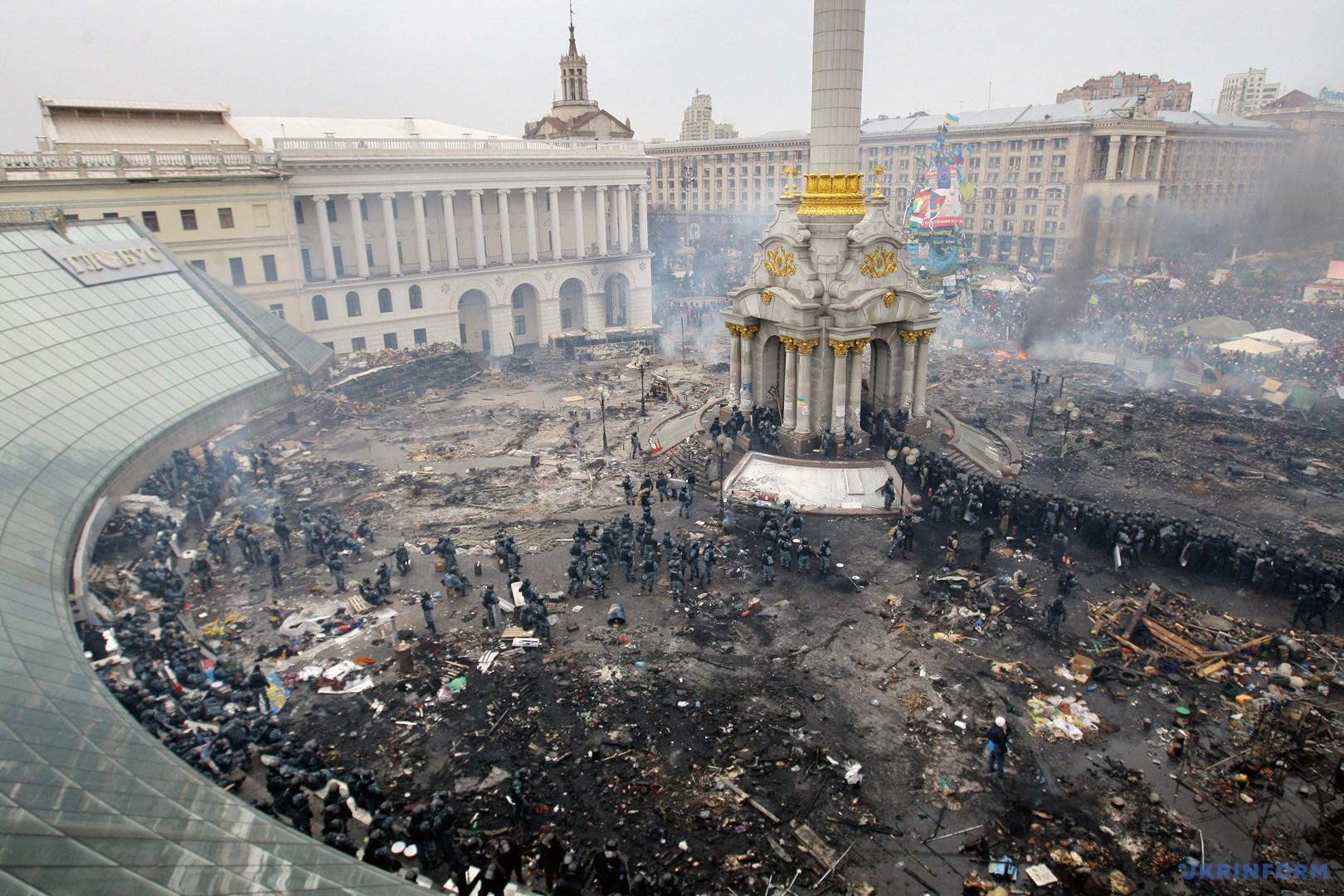 19 февраля 2014 года - Активисты на Майдане Незалежности пережили тяжелую ночь противостояний / Фото из архива