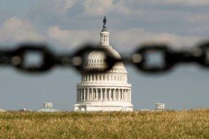 """Влияние """"шатдауна"""" на экономику США оказалось вдвое хуже прогнозов – СМИ"""