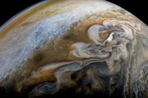 Вчені показали, як виглядають потужні вихори на Юпітері