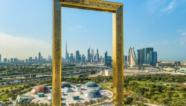 В Дубае появилась самая большая в мире рамка