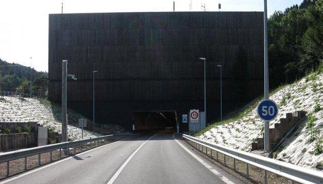 Во Франции увеличивают плату за использование дорог