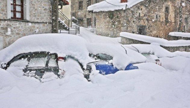 Испанию накрыло снегом: предупреждение о непогоде получили 33 провинции