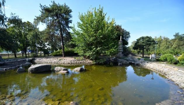 Чиновників КМДА викрили на привласненні коштів під час реконструкції парку «Кіото»