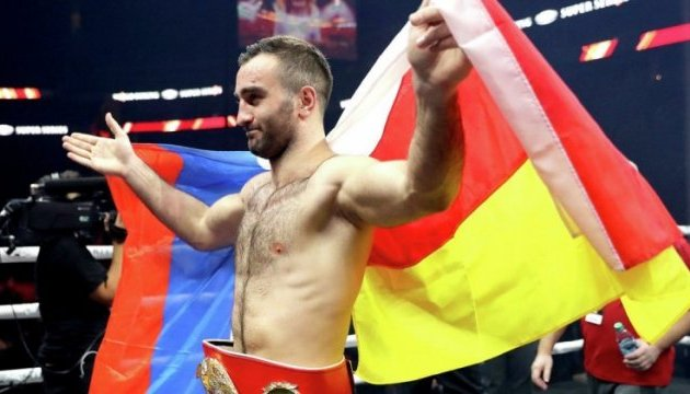 Всемирная боксерская суперсерия: Гассиев нокаутировал Дортикоса и встретится в финале с Усиком