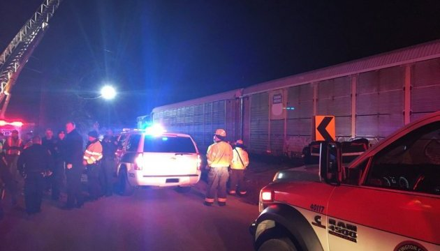 У США пасажирський потяг влетів у вантажний: постраждалих більше 100