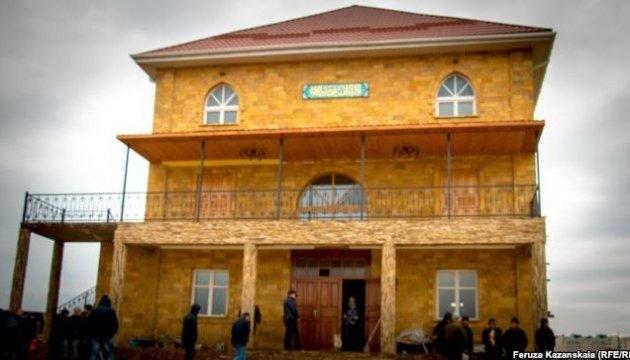 Снос мечети в Симферополе: протестующие не верят обещаниям застройщика