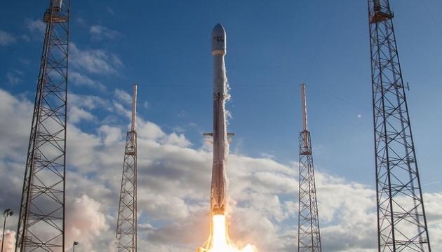 SpaceX отправила в космос 6-тонный испанский спутник связи