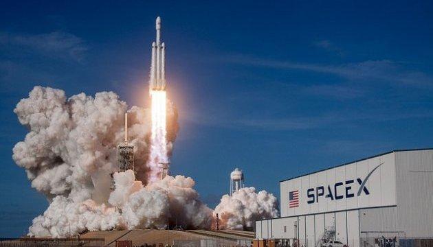 Перший ступінь ракети Falcon 9 приземлився  в Атлантичному океані