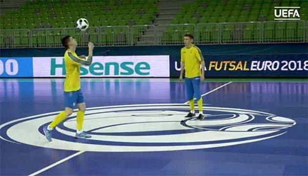Украинские футзалисты продемонстрировали навыки владения мячом