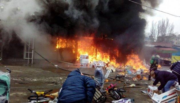 Вогненебезпечна шаурма: у Дніпрі ліквідували масштабну пожежу