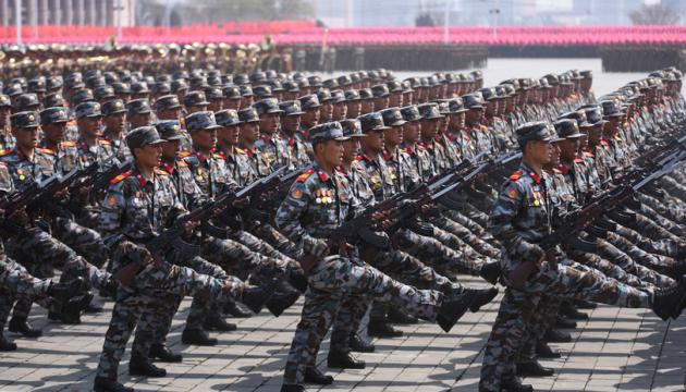 КНДР провела военный парад в честь Олимпийских игр