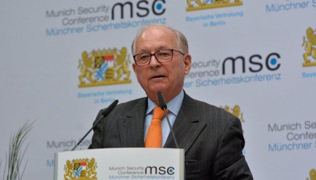 Ischinger: El conflicto en Ucrania una de las mayores amenazas a la seguridad internacional