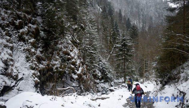 У Карпатах рятувальники шукали заблукалих іноземних туристів