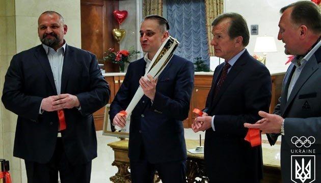 Olympische Fackel in Kiew präsentiert