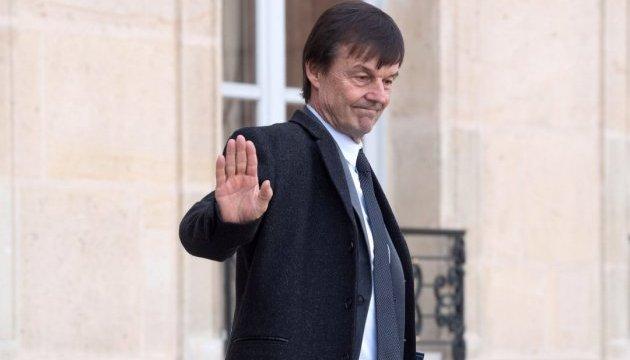 Французского министра обвиняют в сексуальных домогательствах