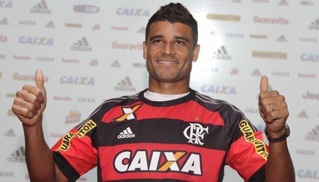 Бразильский футболист Эдерсон победил рак и вернулся к тренировкам