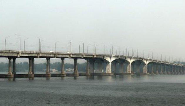 В Днипре рассказали о хищении средств во время ремонта Нового моста