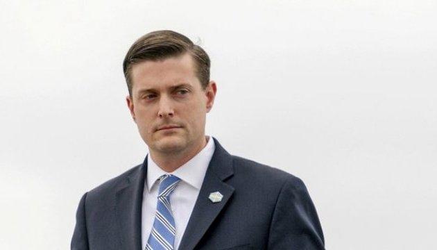 Глава секретаріату Білого дому звільнився після звинувачень у домашньому насильстві
