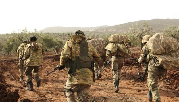 Турция подтянула свои войска к границе с Сирией