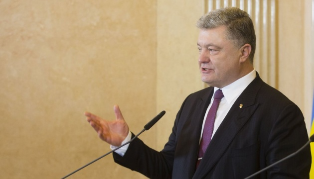 Poroshenko urges Putin to stop killing people