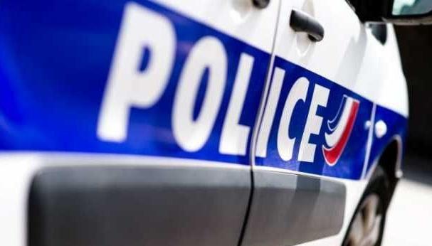 У Франції поліцію пропонують озброїти електрошоковими пістолетами