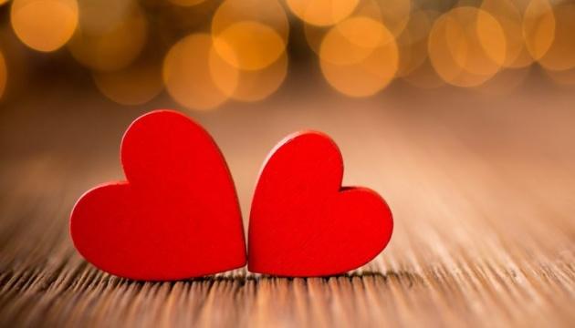 Закохані усього світу святкують День Святого Валентина