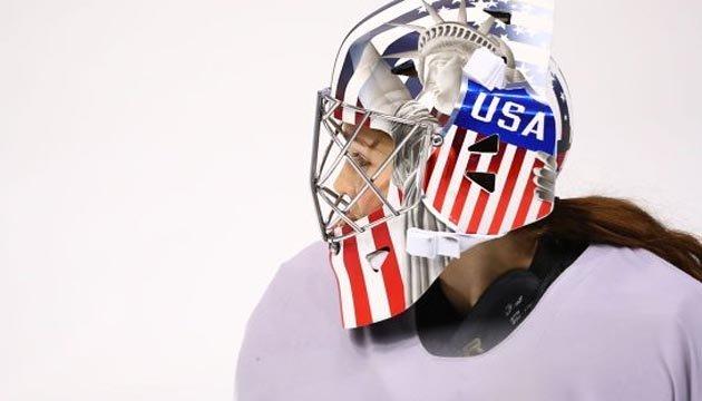 МОК попросил хоккеисток США убрать с масок изображение Статуи Свободы
