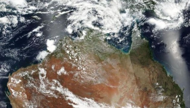 Масштабный лесной пожар в Австралии видно из космоса