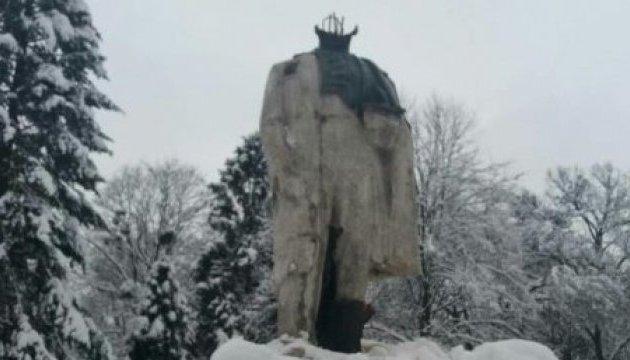 Знищення пам'ятника Шевченку на Львівщині: вандалу загрожує 5 років тюрми