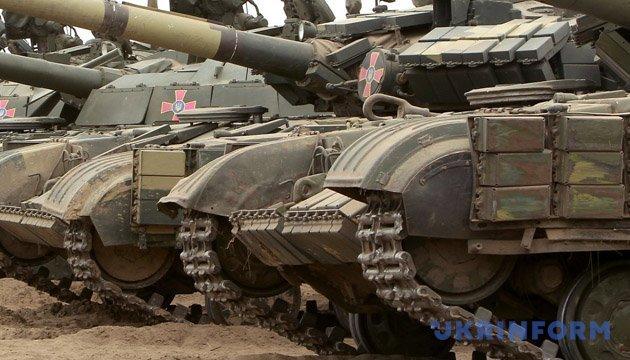 Военные показали, как тренируют танковые подразделения на Донбассе