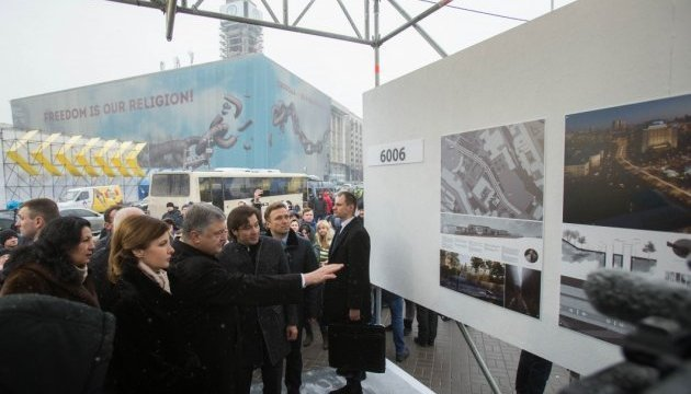 Poroshenko opens exhibition of projects of Memorial Complex of Heroes of Heavenly Hundred