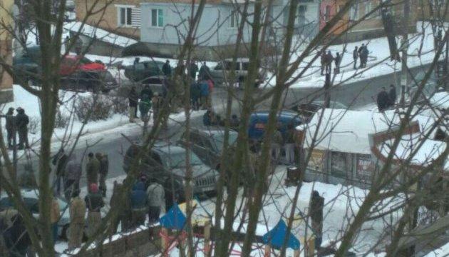 Копачі бурштину напали на поліцейських, семеро затриманих