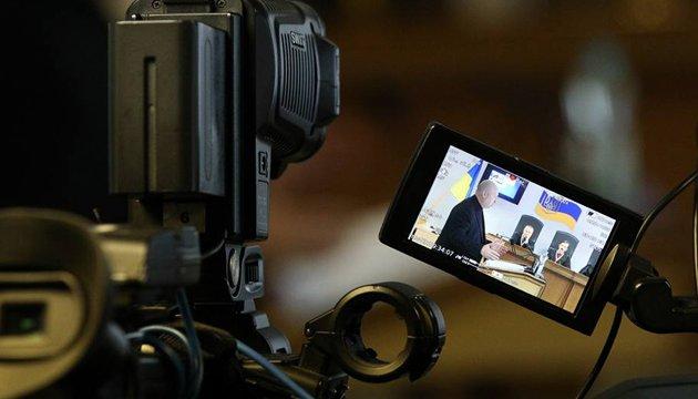 Турчинов vs захисник Януковича: як реагувати на «циркачів легітимного»?