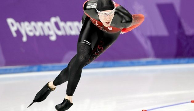 Канадский конькобежец Блумен завоевал
