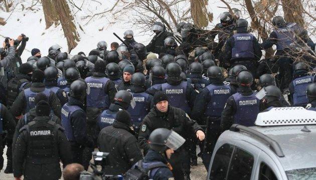 В столкновениях возле Соломенского суда пострадали 20 человек