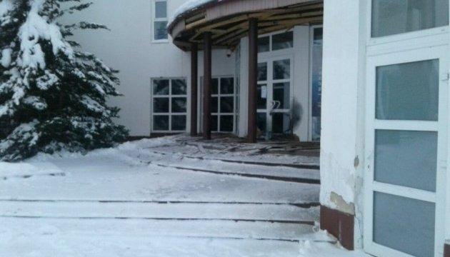 На Прикарпатті починають ремонт пошкодженого вибухом музею Бандери