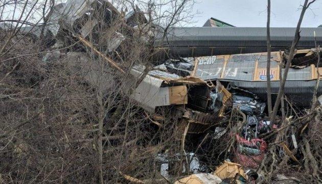 Авария на железной дороге в США: пожар в поезде, двое пострадавших