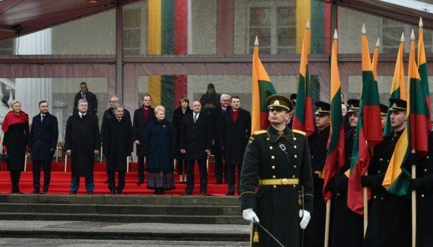 El presidente de Ucrania felicita a la República de Lituania por el 100º aniversario de la restauración del Estado
