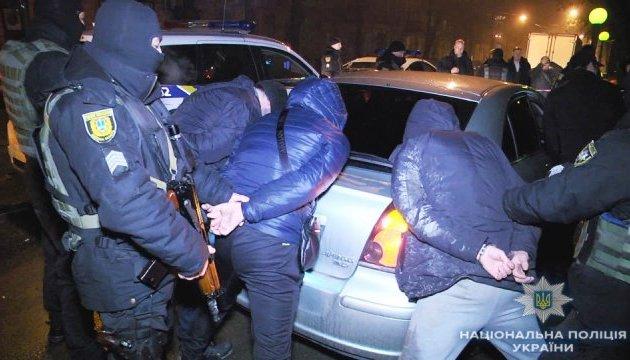 В центре Одессы на мужчину набросились трое с ножом
