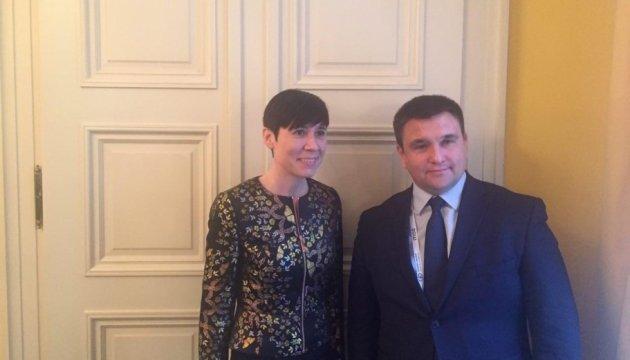 Климкин обсудил с норвежской коллегой ситуацию на Донбассе