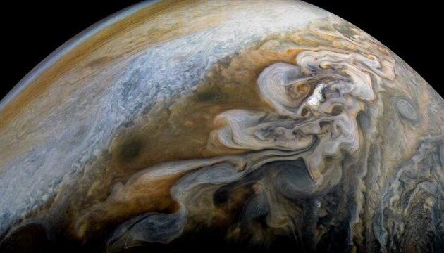 NASA показало новий знімок хмар Юпітера