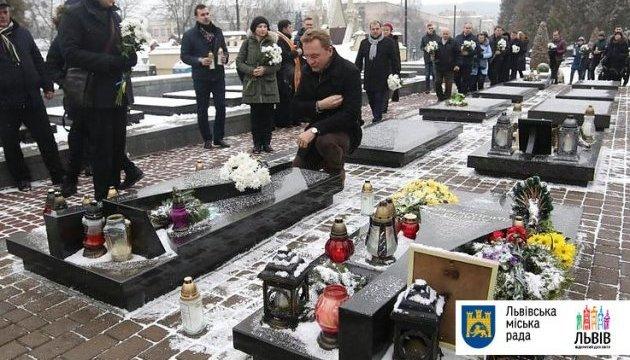 Львів`яни вшанували пам`ять Героїв Небесної сотні