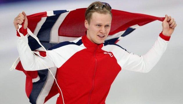 Норвежский конькобежец Лорентсен завоевал