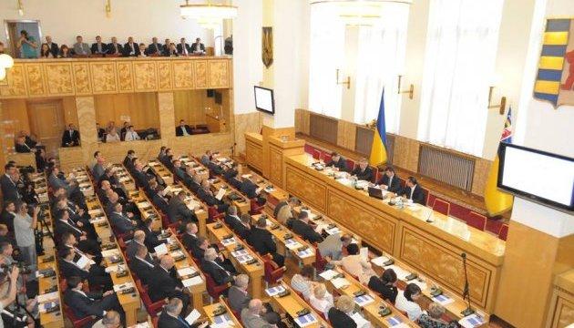 Опозиція має більшість у 15 з 22 обласних рад - КВУ