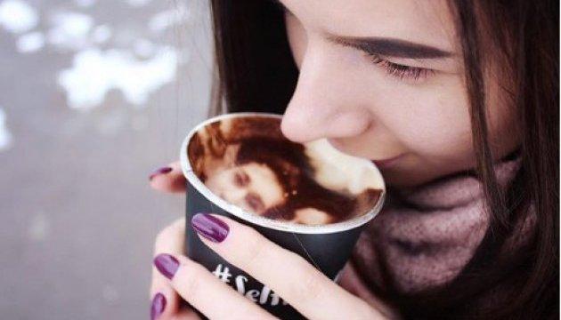 Селфичино теперь можно выпить и в Украине