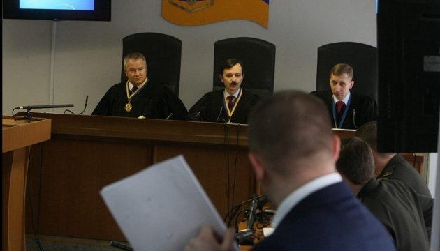 Адвокат Януковича не останавливается - обещает читать речь и во вторник