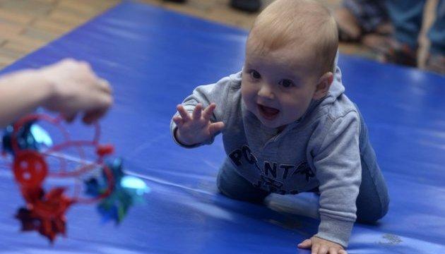 Коли розпочати навчання дитини іноземним мовам? Чи існують вікові обмеження?