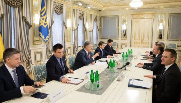 Ukrainian president, Danish foreign minister discuss security situation in Donbas, release of hostages