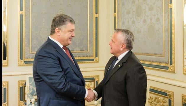 Poroshenko, Sullivan discuss prospects for UN force in Donbas