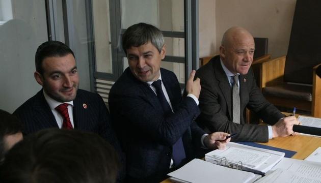 Відсторонення Труханова: суд розглядає клопотання САП під посиленою охороною